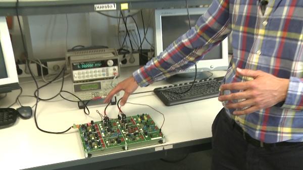 Medida de productos de intermodulación de un dispositivo no lineal con el osciloscipio