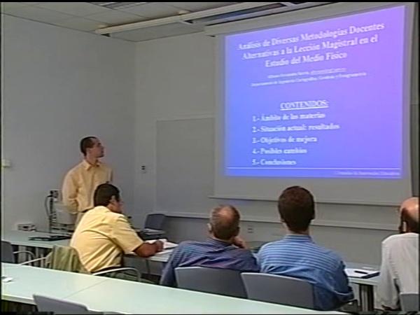 Comunicación 4, Análisis de diversas metodologías docentes alternativas a la lección magistral en el estudio del medio físico (JIE)