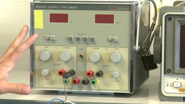 Generación de una señal simple con una placa de conexiones