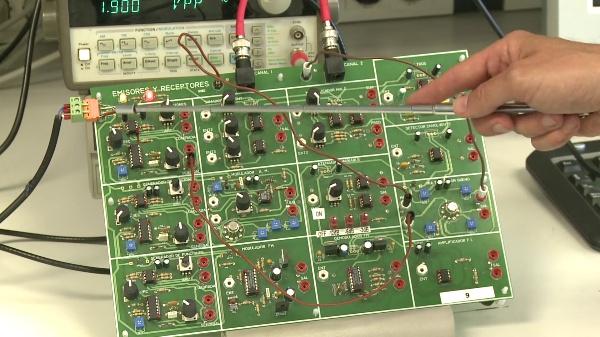 Medida de la sintonización de frecuencia de un receptor superheterodino con el osciloscopio