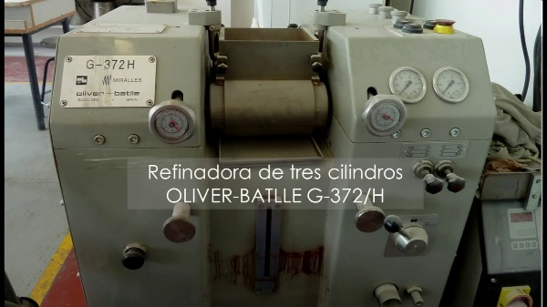 FABRICACIÓN DE PINTURAS EN TRICILÍNDRICA