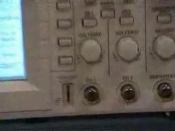Manejo del osciloscopio digital Tek220