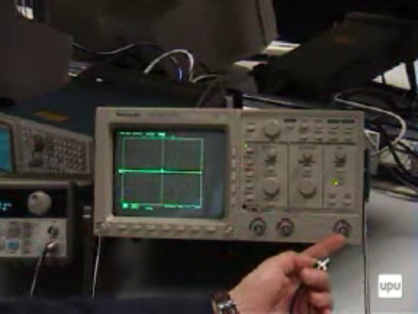 Manejo del osciloscopio digital Tek230