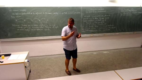 Matemáticas I-1-3-Propiedades del producto y distributiva
