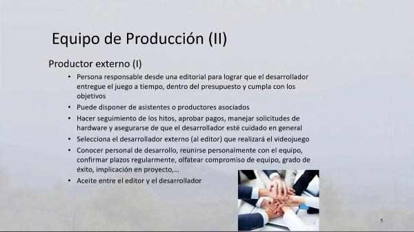 Equipo de producción de videojuegos. Productor