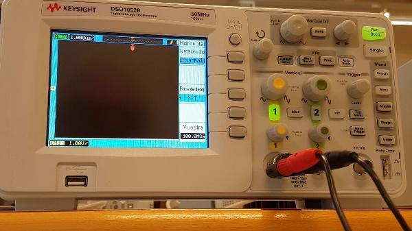 Utilització de  l'oscil·loscopi Keysight (DSO1052B)  per a mesurar  el temps de caiguda