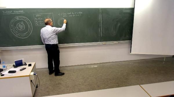 Física 1. Problema conductores cargados 1