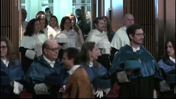 Investidura como doctor honoris causa del Dr. Jean-Pierre Sauvage e investidura de nuevos doctores y doctoras