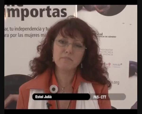 Estel Julià da la cara el 25 de noviembre de 2009 en el Â«Día Internacional para la eliminación de la violencia hacia la Mujer».