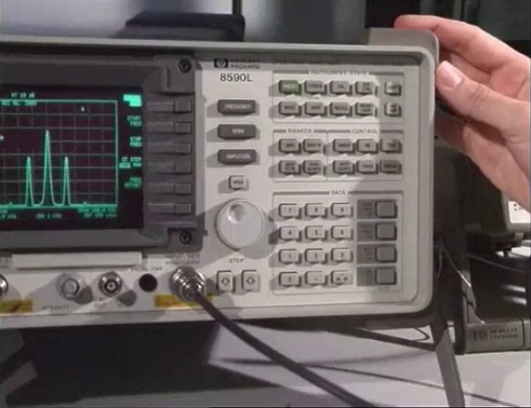 Analizador de Espectros HP 8590L