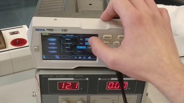 Electrónica Digital. Práctica 3. Configuración y uso de osciloscopio y generador.