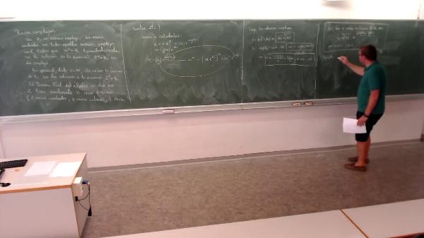 Matemáticas I-2-7-Ejemplo raíces complejas
