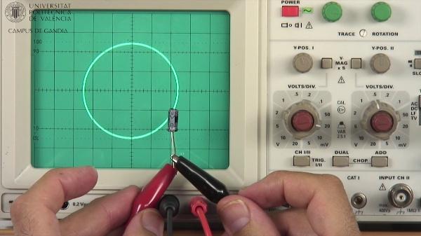Osciloscopio Analógico. Comprobación de Componentes (11 de 11)