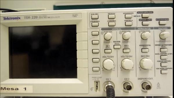Tektronix TDS 220 Oscilloscope