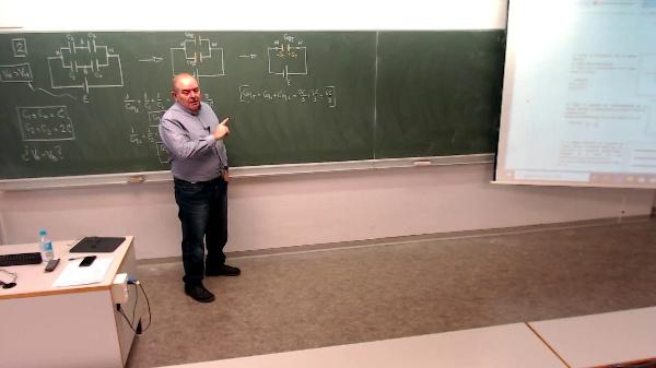 Física 1. Lección 7. Problema Condensadores 2-2