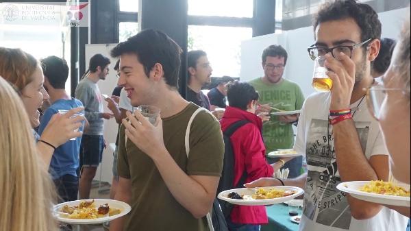 Benvinguda del Voluntariat Lingüístic: Trivial per equips