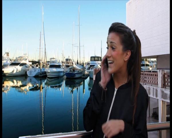 Araceli en el puerto deportivo