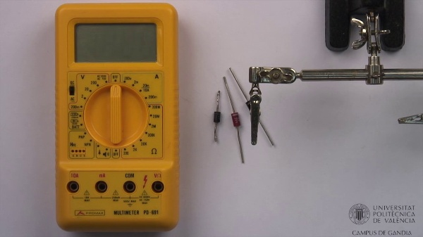 Multímetro digital. Comprobación de diodos