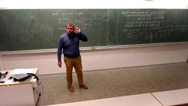 Matemáticas I-30-11-Ejemplo 2 Estudiar los puntos críticos