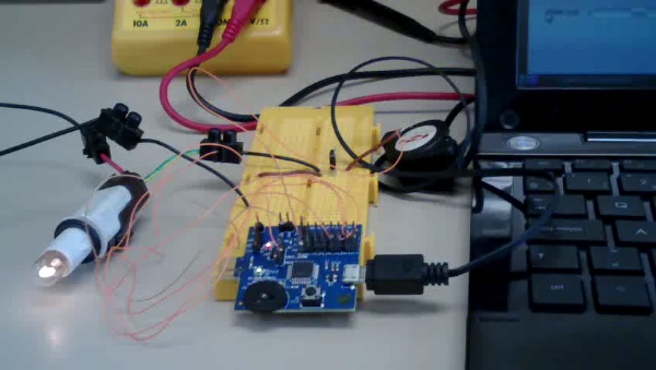 CheapDAQ 8051 manejando un MosPOWER con PWM