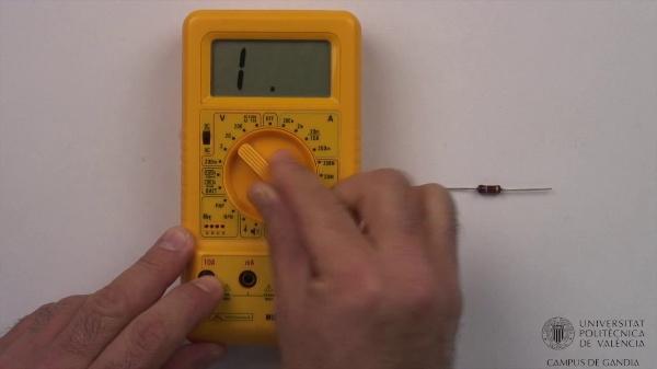 Multímetro digital. Medida de resistencias