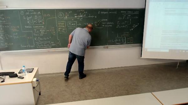 Física 1. Lección 2.  Aclaraciones sobre componentes vector desplazamiento y variables a usar en los problemas.mp4