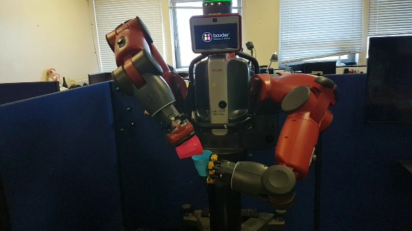 Dual-arm Robot Teleoperation by Kinaesthetics and Virtual Reality