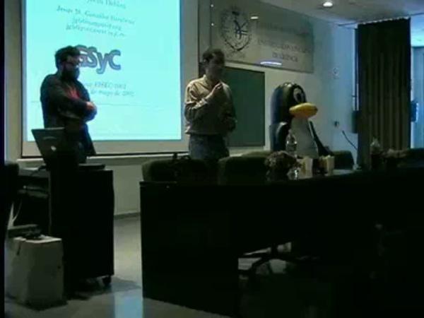 Seminario Debian I (Mayo de 2002) - PoLinuX