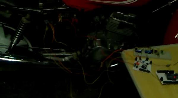 CheapDAQ 8051 controlando motocicleta Honda CB 250