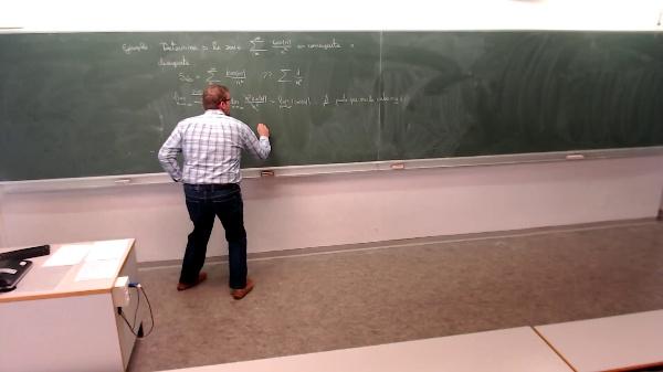Matemáticas I-24-1-Ejemplo Determinar si la serie es convergente