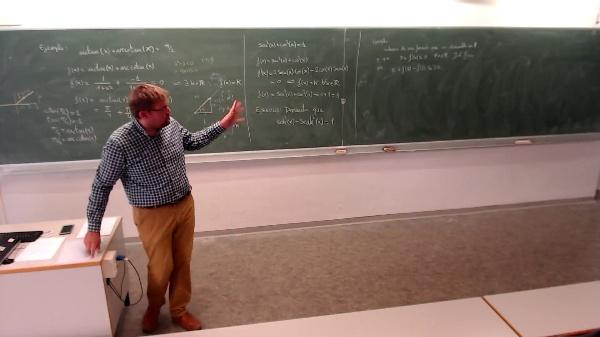 Matemáticas I-15-7-Ejemplo aplicación del teorema de Lagrange