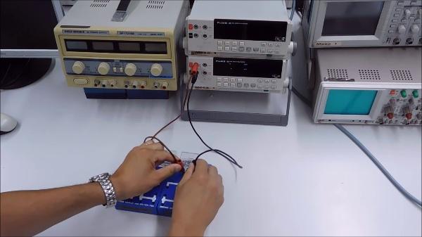 Montaje de un circuito y medidas con multímetro